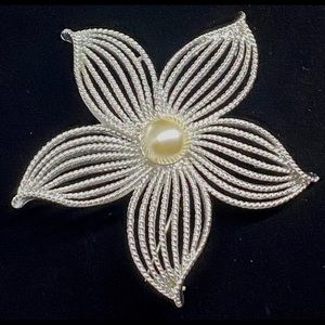 Vintage 1967 Sarah Coventry MoonFlower Brooch Pin